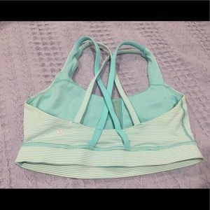 LULULEMON sport bra size 4 perfect condition